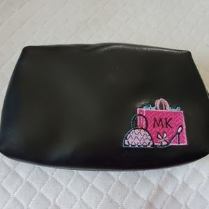 New Mary Kay Makeup Bag Free in Bundle
